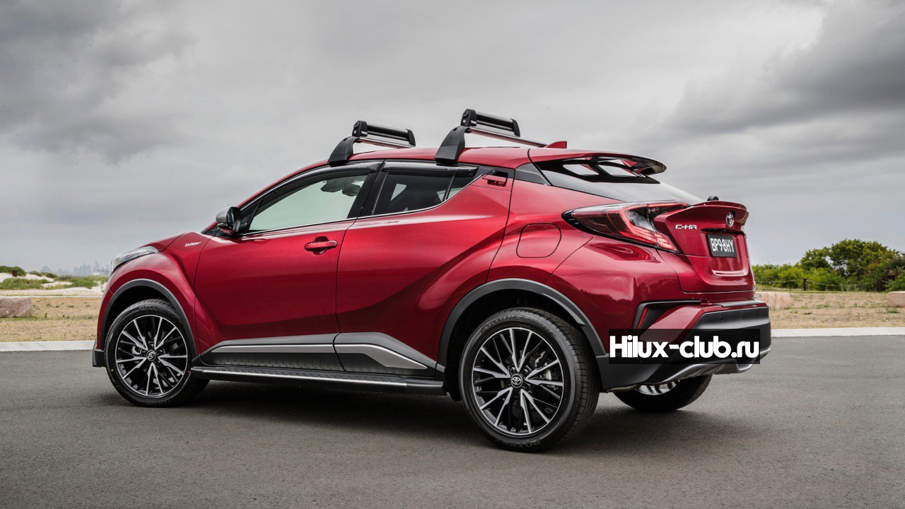 2017-Toyota-C-HR-accessories-–-Chasing-Cars.jpg