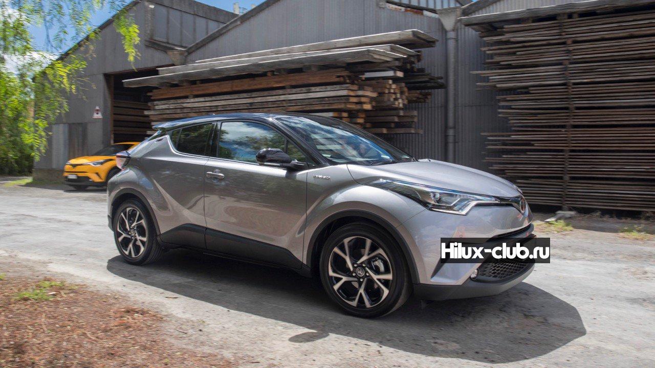 2017-Toyota-C-HR-Koba-silver-black-roof-–-Chasing-Cars.jpg